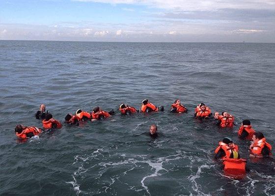 in het water team Enexis ROTCYP Careerwise