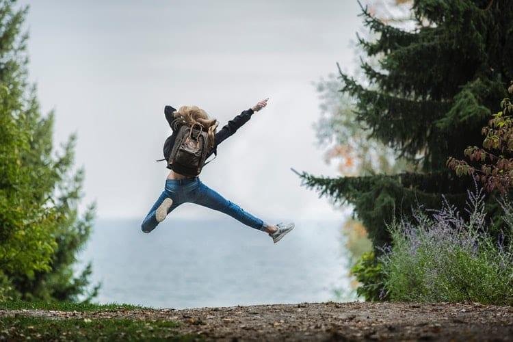 keuzes maken - Hoe keuzes maken je vrijheid oplevert - by Sebastian Voortman - blonde-hair-blur-daylight-environment-214574