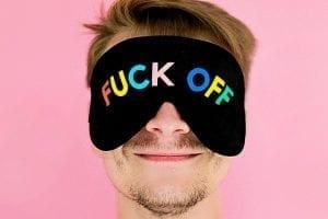 Prioriteiten - Storende collega's Of je dit nú even wilt doen... - by Daria Shevtsova - man-wearing-black-eye-mask-1237611 (1)