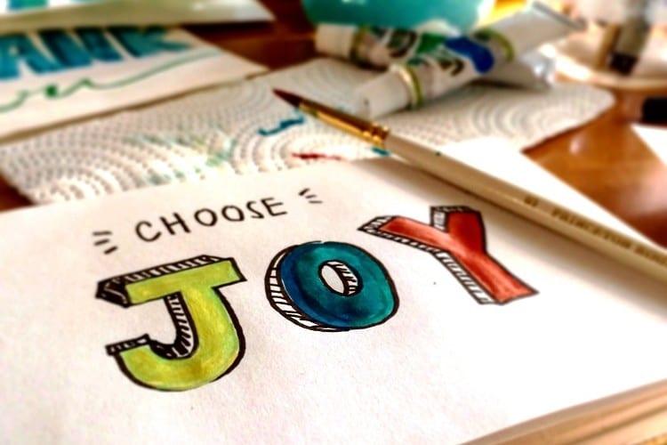 Ontspannen na je werk - 6 tips om te ontspannen na je werk- by Bekka Mongeau - joy-painting-brush-22221