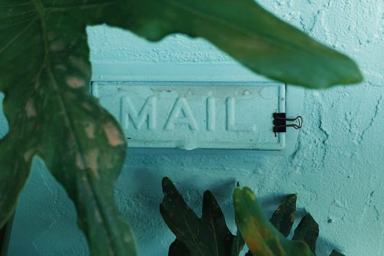 Outlook tips - Outlook en plannen - een eitje met deze tips - by Laura Stanley - black-binder-clip-near-wall-2975688
