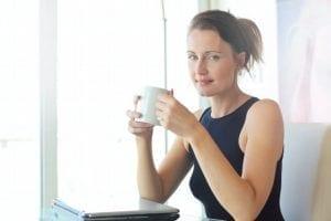 sollicitatiegesprek - de perfecte voorbereiding op een sollicitatiegesprek - by Andrea Piacquadio - woman-in-black-tank-top-holding-white-ceramic-cup-3779760