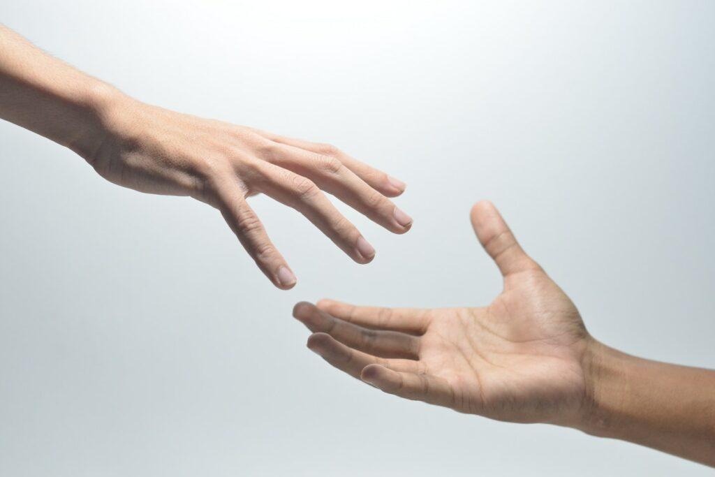 helpend leiderschap - 5 tips voor helpend leiderschap in crisistijd en daarbuiten - pexels-muhammad-rayhan-haripriatna-8131137